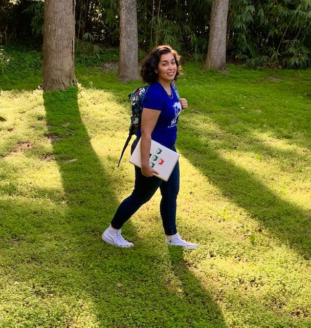 Jackie Espada Blogger