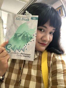 Fadima Mooneira ( Malaysian Blogger )
